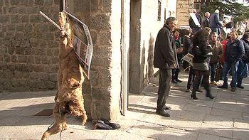 Los ganaderos se manifiestan para exigir medidas contra los lobos