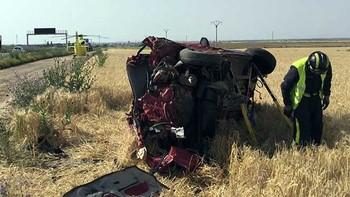 Un muerto y dos heridos en un accidente en la A-6, a la altura de Medina del Campo, Valladolid