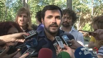Garz�n pide al PSOE que 'no se confunda de adversario, porque el enemigo real es el PP'