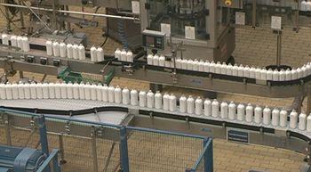 La CNMC multa con 88,2 millones al cartel l�cteo por repartirse el mercado y pactar los precios
