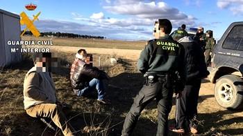 Cuatro detenidos en la Moraña por caza ilegal, daños a parcelas aradas y conducción temeraria