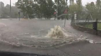 Una fuerte tormenta provoca inundaciones en Ciudad Rodrigo, Salamanca