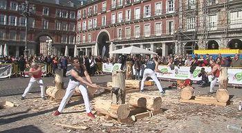 Los Gabarreros calientan motores en la Plaza mayor de Madrid