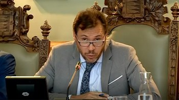 Tensión en entre Óscar Puente y Albert Rivera tras el abandono de la concejala de Ciudadanos del pleno