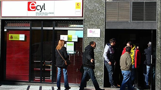 El paro baja en mayo en personas hasta niveles de for Oficina inem burgos