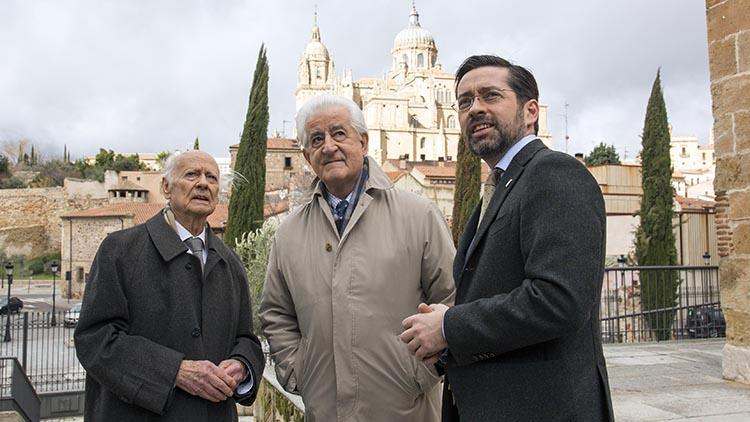 El equipo de La 8 Salamanca en la entrega del reconocimiento a Venancio Blanco y El Viti - rtvcyl.es