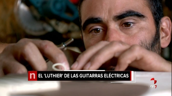 Un luthier rural de guitarras el ctricas for Que es un luthier