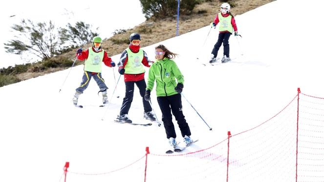 Las estaciones invernales de León reciben 7.043 esquiadores este fin de semana