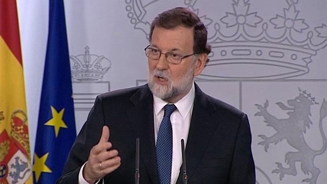 Rajoy aplica el 155, pide el cese de Puigdemont y convocatoria de elecciones en seis meses