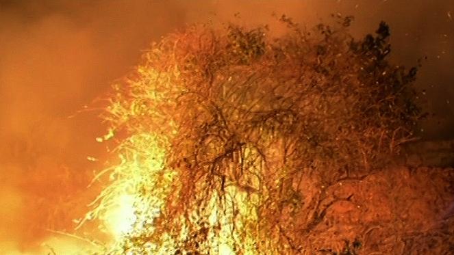 Asturias contabiliza 27 fuegos en 13 concejos y los vecinos evacuados puede regresar a sus casas