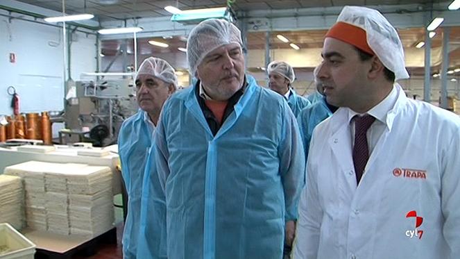 Méndez de Vigo destaca la inversión de Chocolates Trapa en innovación y contrataciones