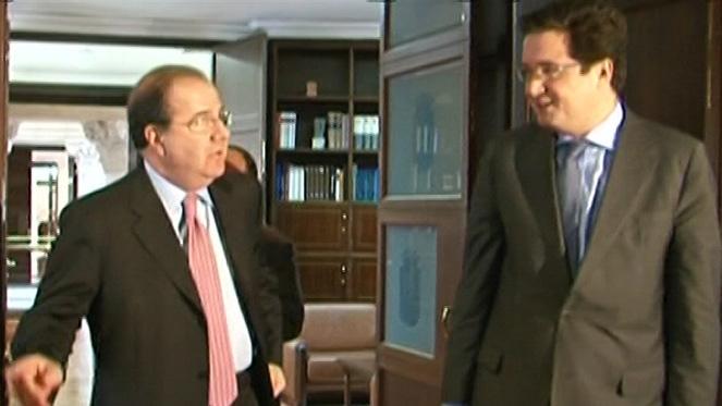Herrera y Óscar López comparecerán en la comisión de investigación de las cajas